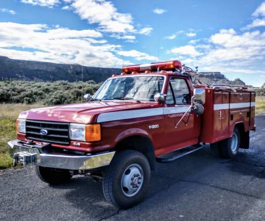 Photo 1988 Ford F-350 Firetruck 4x4 - $19,900 (Grand Coulee)
