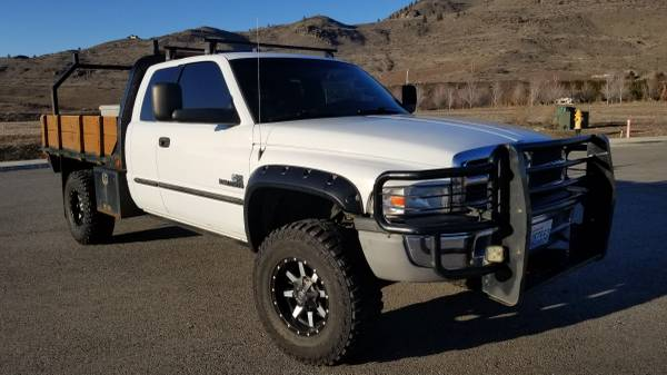 Photo 2002 Dodge Ram 2500 4x4 Cummins Flatbed Manual 5spd - $19500 (Chelan)