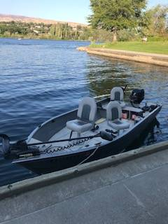 Photo 2004 Crestliner Canadian Boat and Trailer - $6,200 (Cashmere WA)
