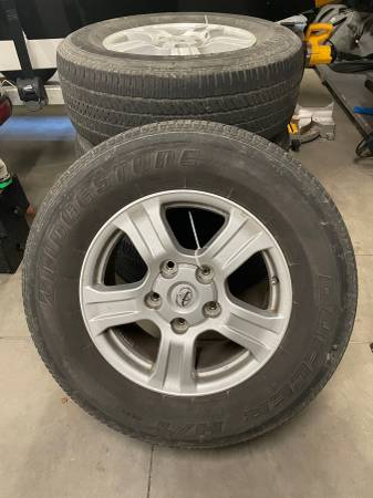 Photo 2007 Toyota Tundra Wheels and Tires - $500 (Wenatchee)