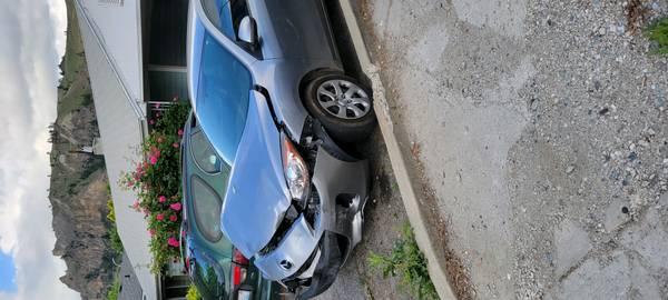 Photo 2012 Mazda 3 - $1,500 (Wenatchee wa)