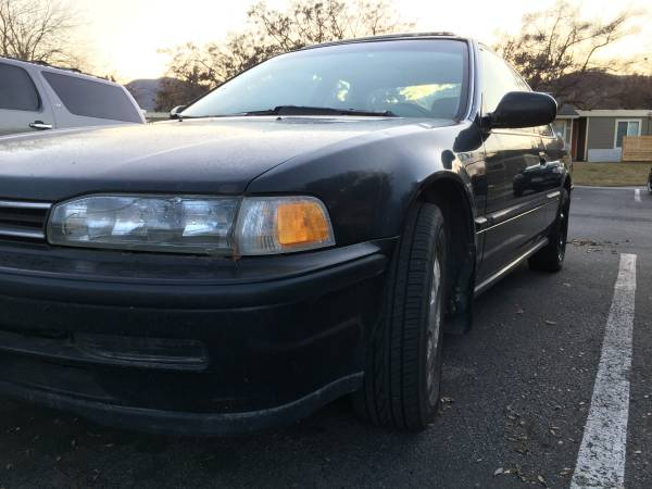Photo 92 Honda Accord coupe auto loaded sun roof clean New Battery - $995 (wenatchee)