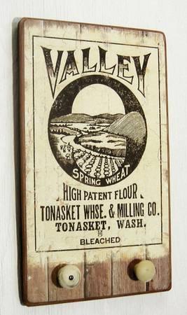 Photo Antique Tonasket Wheat Flour Sign  Vintage Kitchen Wooden Rack - $45 (Oregon City, OR)