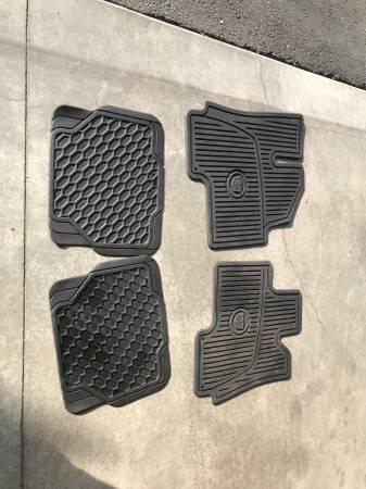 Photo Cadillac SRX all season premium floor mats - $95 (East Wenatchee, WA)