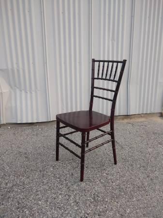 Photo Chiavari Chairs - $20 (Chelan)