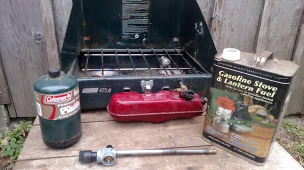 Photo Coleman stove with fuel - $30 (Lake Wenatchee WA)