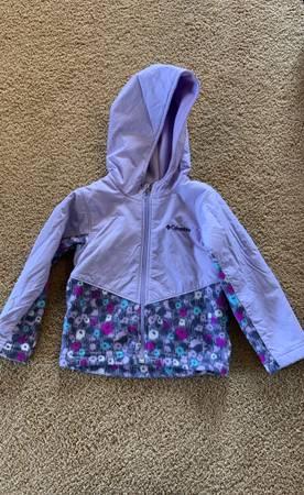 Photo Columbia toddler girl rain jacket 3T - $15 (Wenatchee)