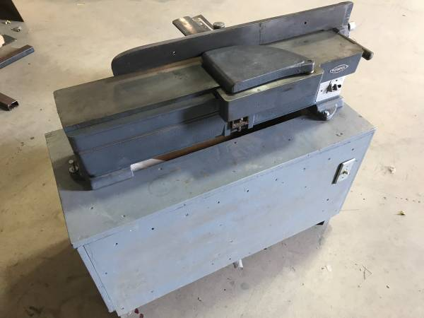 Photo Craftsman Jointer 6 - extra long table surface (3) - $275 (Wenatchee)