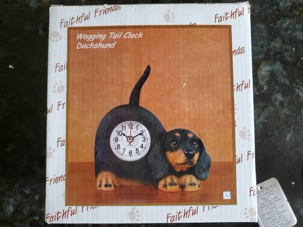 Photo Dachshund Wagging Tail Clock - $10 (Wenatchee, WA)