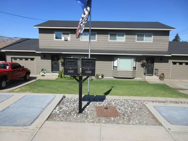 Photo Duplex Very Large - $799,999 (East Wenatchee, WA.)