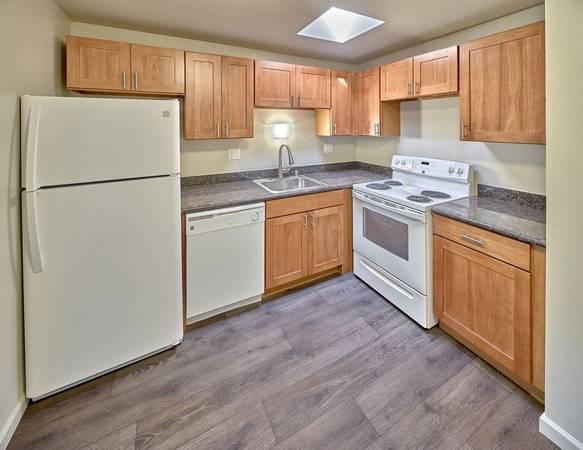 Photo Granite Countertops, Faux Wood Vinyl, New appliances (1250 Central Ave, Wenatchee, WA)