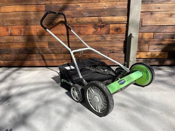 Photo Greenworks 20-inch Reel Mower with Grass Catcher - $30 (Wenatchee)