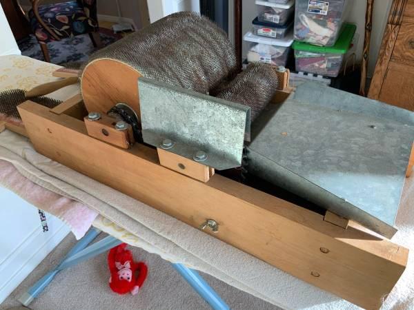 Photo Hand Crank Drum Carder for Spinning Wool - $225 (East Wenatchee Wa.)