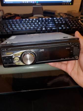 Photo JVC KD-S27 car stereo - $5 (East Wenatchee, WA)