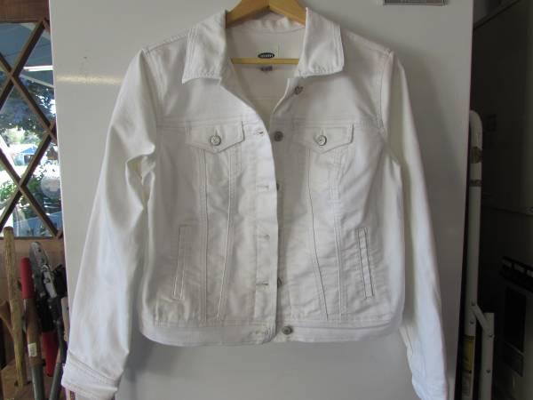 Photo Jean Jacket - Old Navy - White - Size Large - $18 (Wenatchee)