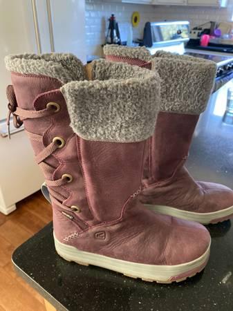 Photo Keen Snow boots Womens 9 - $45