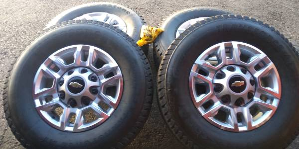 Photo New Set of 4 LT 70 17 tires on 2020 chevy Silverado 2500 8 lug Wheels - $1,100 (Waterville)
