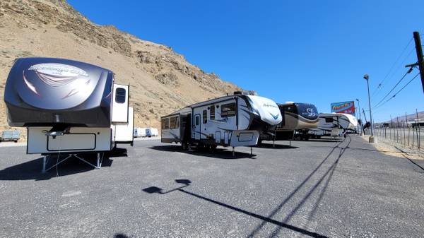 Photo Omar39s RV Sales will buy or consign your RV (WENATCHEE)
