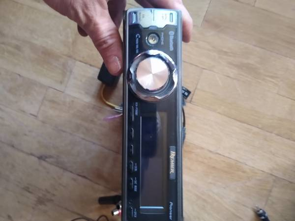 Photo Pioneer premium car stereo - $75 (E. Wenatchee)