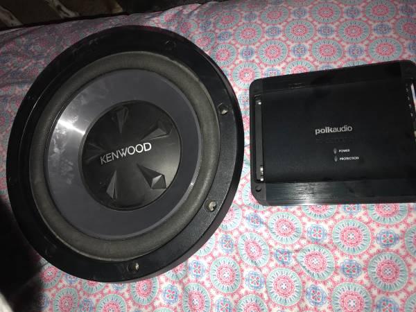 Photo Polk audio d2000.2 lifier and 12 kenwood subwoofer - $180 (Wenatchee)