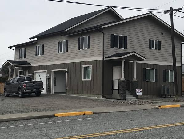 Photo Spacious Room For Rent (as part of 3 Bed2.5Bath Apartment) (Wenatchee, WA)