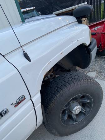 Photo WTB dodge front fender 2000 white passenger - $1 (wenatchee)
