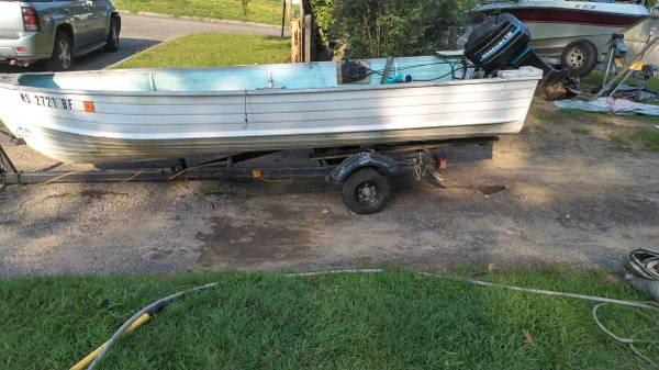 Photo 14 ft Star Craft Aluminum Boat - $700 (Springfield)