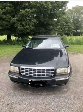 Photo 1998 Cadillac Deville 4door luxury sedan - $5,900 (Tyringham)