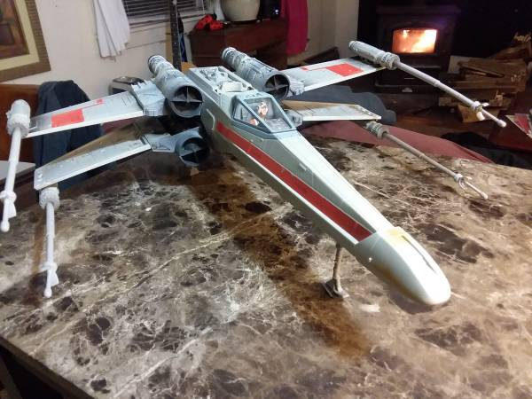 Photo 2002 star wars x wing - $40 (Montague)
