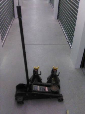 Photo 3 12 Craftsman Hydraulic Floor Jack and 2 jack stands - $65 (Pittsfield)