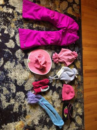 Photo BIG LOT OF GIRLS CLOTHES, Justice, Nike, UGG(28 ITEMS) - $60 (Northton)