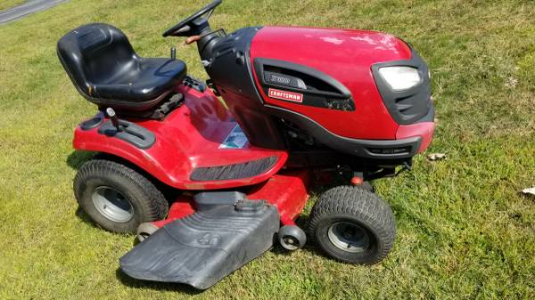 Photo Craftsman Yard Tractor mower - $500 (South Hadley)
