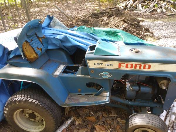 Photo Ford Lgt 125 parts - $1 (Westhton)