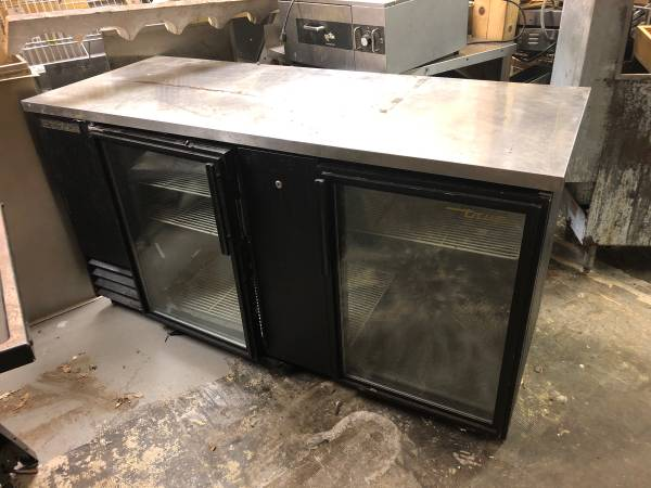 Photo Glass front cooler True - $500 (Brattleboro)