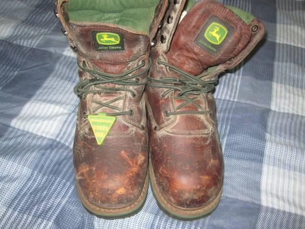 Photo JOHN DEER STEEL Toe BOOTS - $35 (north adams)