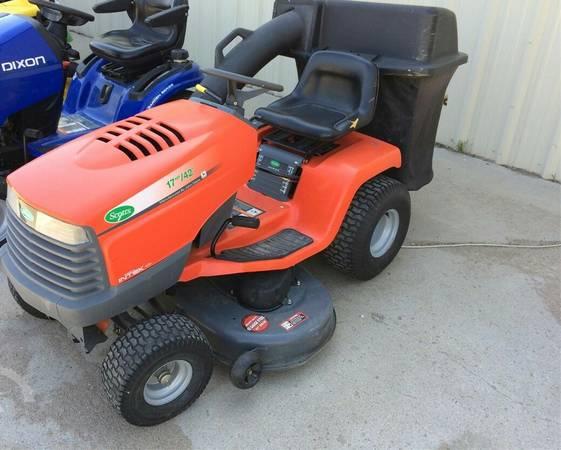 Photo John Deere leaf leaves riding lawnmower mower grass tractor bagger - $686 (Ashburnham ma)