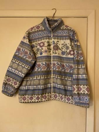 Photo Ladies Alfred Dunner Fleece Jacket - $7 (Easthton)