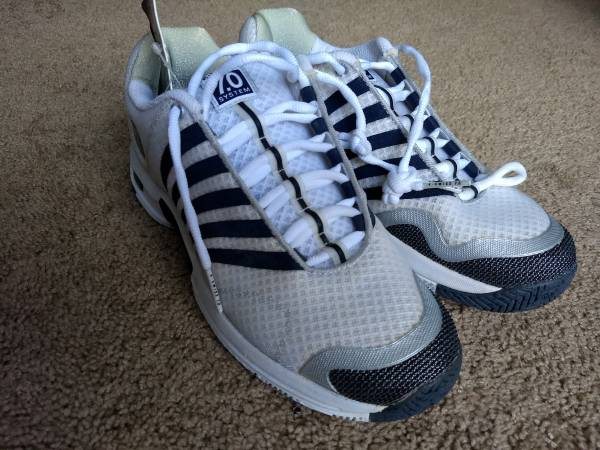 Photo NEW K-Swiss Ascender Men39s Tennis Shoe Size 9 with Tags - $69 (Amherst)