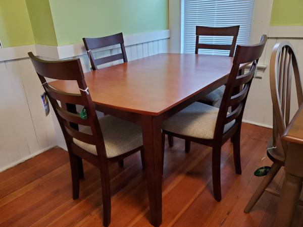 Photo New Solid Wood Dining Table - $264 (Chicopee)
