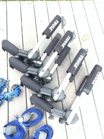 Photo Thule 835 pro Folding Kayak roof rack carrier - $300 (Springfield)