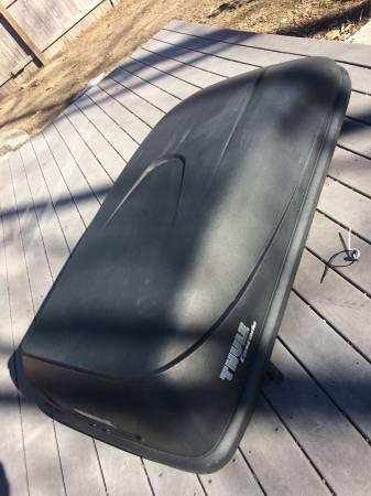 Photo Thule cargo box Ski Snowboard Roof Box - $160 (Chicopee Ludlow or Northton)