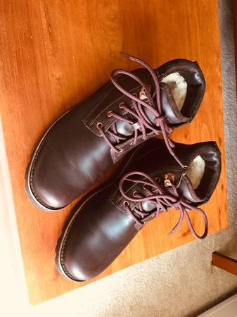 Photo Ugg leather boots mens 10 - $100 (Williamstown)