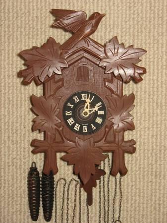 Photo Vintage Cuckoo Clock made by Cuckoo Clock Mfg Co - $118 (Westfield)