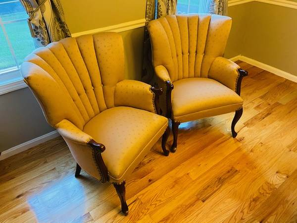 Photo Vintage  Antique Channel Back Armchair w horsehair seat cushioning (Westfield MA)
