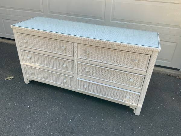 Photo White Wicker 6 drawer chest of drawers with glass top insert 58 long - $40 (Feeding Hills)