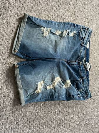 Photo Womens like new size 26 torrids jean shorts - $25