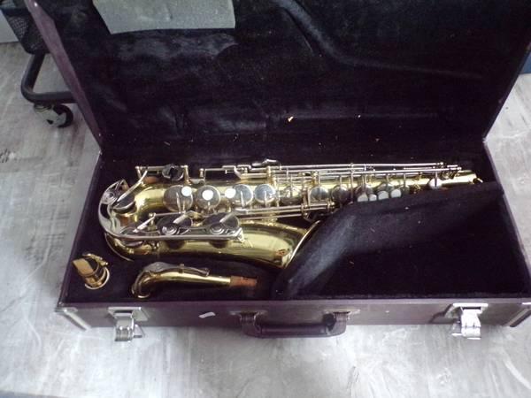 Photo Yamaha YAS-23 Saxophone - $300 (North Adams)