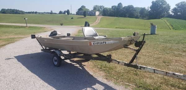 Photo 12 ft flat bottom aluminum boat - $800 (Canmer)