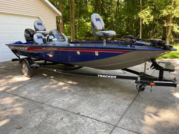 Photo 17 Bass Tracker Boat (2016) - $13,500 (Highland, IL)