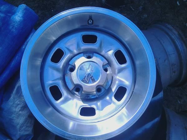 Photo 1973 - 1976 Chevy Rally Wheels , Nova  Camaro - $320 (Ledbetter)